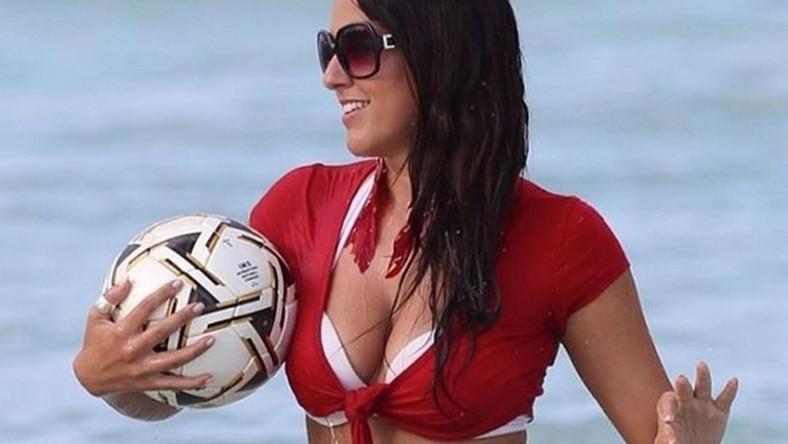 Poza zamiłowaniem do piłki nożnej, Claudia Romani jest też modelką i publikuje w sieci odważne zdjęcia. Była też wybrana włoską miss Euro 2012.