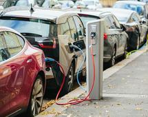 Samochody elektryczne w Chinach potrafią być tańsze nawet o 40 proc. od spalinowych. Dzięki dotacją władz.
