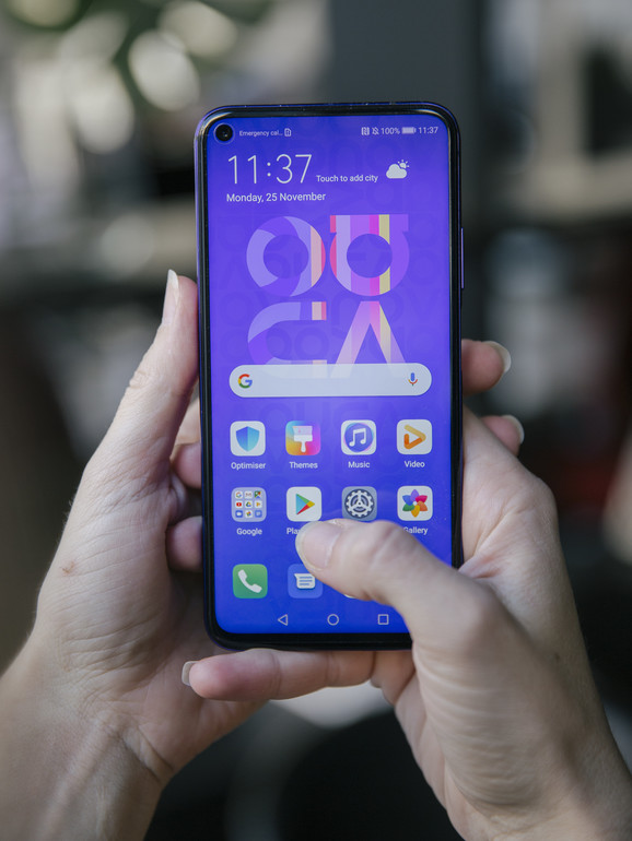 Huawei Nova 5T ima ima SuperCharge, tehnologija brzog punjenja baterije