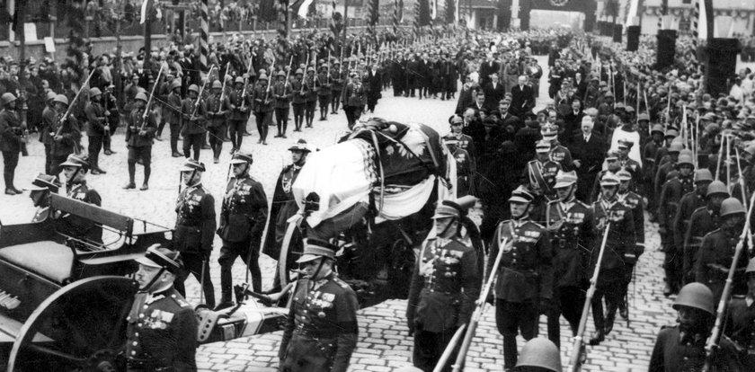 Pogrzeb Józefa Piłsudskiego. Jak żegnano jednego z najwybitniejszych Polaków?