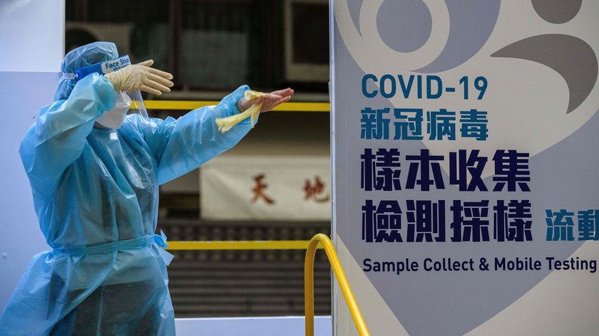 O tym, że wymazy z odbytu w ramach testów na obecność koronawirusa to metoda stosowana w Chinach na dużą skalę, donosiły oficjalne media chińskie.