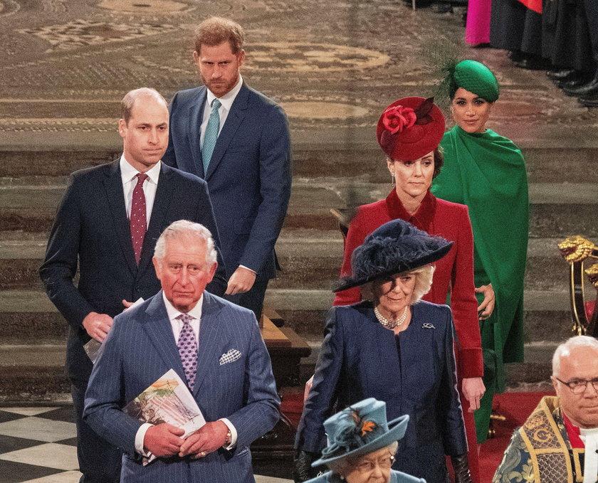 Książę William potraktował księcia Harry'ego jak obcego. Brytyjczycy oburzeni