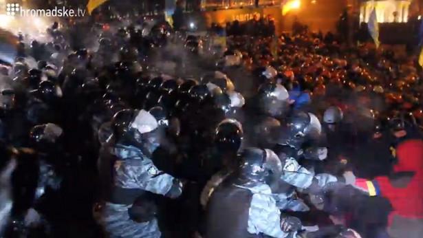Berkut interweniujący na Majdanie