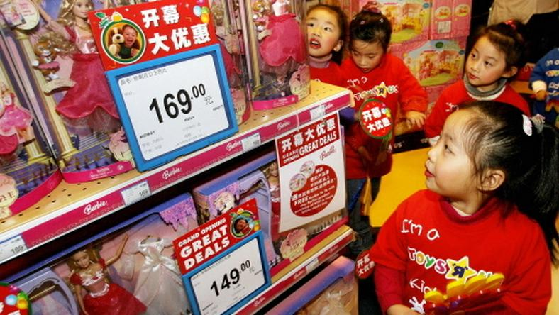 CHINA-CHRISTMAS-TOYS-RETAIL