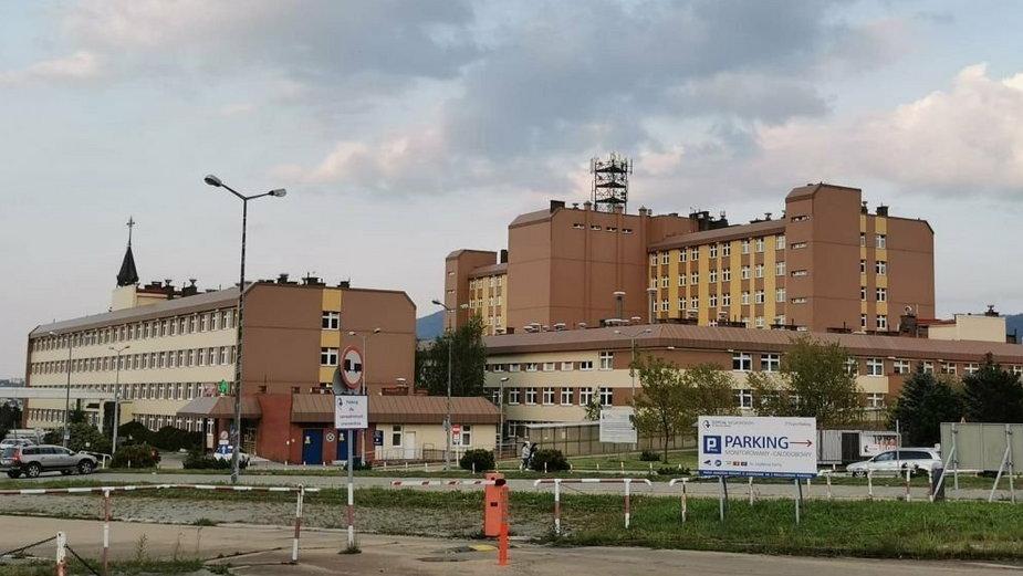 Szpital zmniejsza liczbę łóżek covidowych