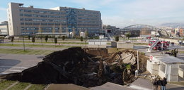 Przed szpitalem zapadła się ziemia! Gigantyczna dziura na parkingu w Neapolu