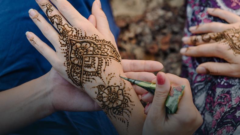 Tatuaż Z Henny Może Być Niebezpieczny Uważaj Uroda