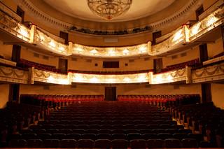 Koniec wiecznych dyrektorów w teatrach? PiS zmusi weteranów do odejścia