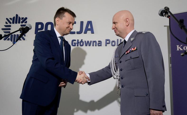 Szef MSWiA Mariusz Błaszczak i nadinspektor Jarosław Szymczyk, nowy komendant główny policji