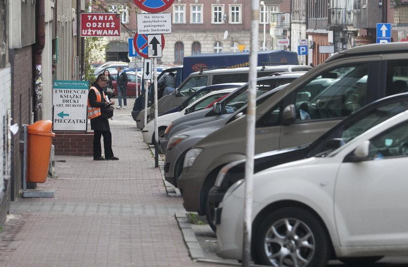 Parkingi są przepełnione