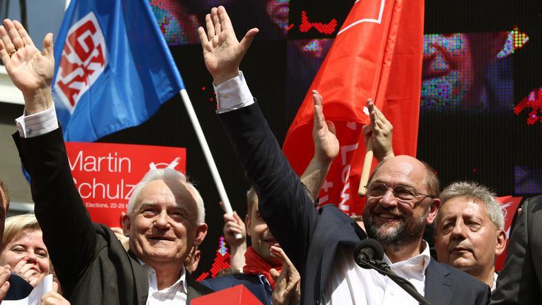 Lider SLD Leszek Miller oraz przewodniczący PE Martin Schulz podczas manifestacja pierwszomajowej