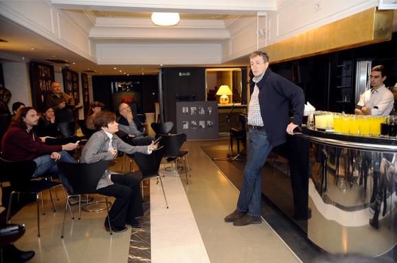 Svoje na svome: Dejan Savić u razgovoru sa novinarima u Narodnom pozorištu