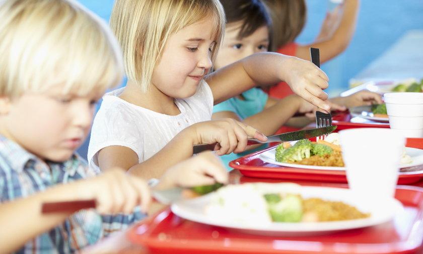 Darmowe posiłki zamiast lekcji religii w szkołach?