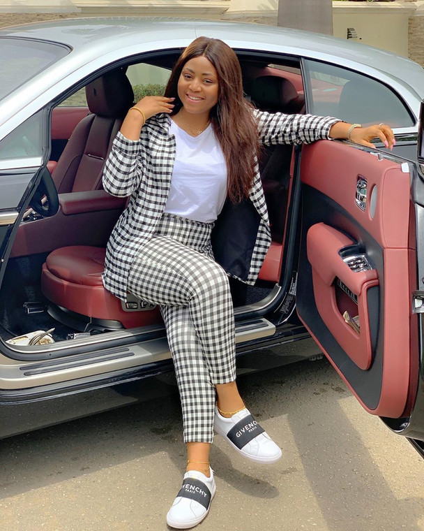 Recently Regina Daniels got for herself a brand new Mercedes Benz G Wagon and the Internet couldn't keep calm [Instagram/ReginaDaniels]