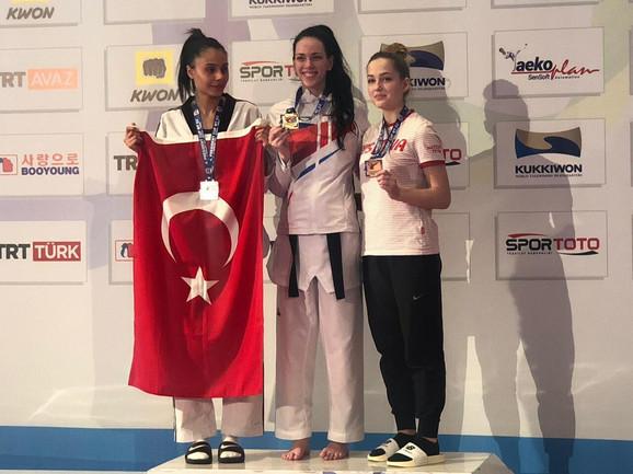 Najsjajnijim odličjem se okitila i Tijana Bogdanović
