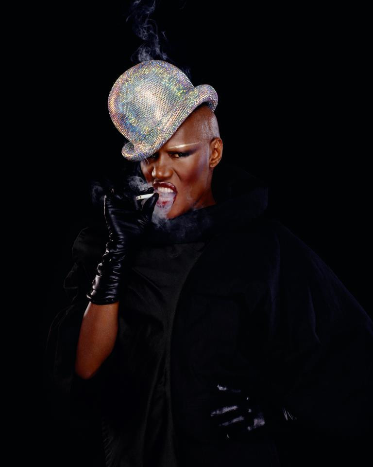 Grace Jones (fot. facebook.com/GraceJonesOfficial)