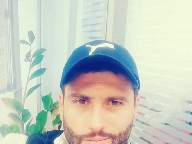 Šapić objavio sliku sa suprugom: Instagram ne može da veruje kakvu lepoticu vaterpolista ima