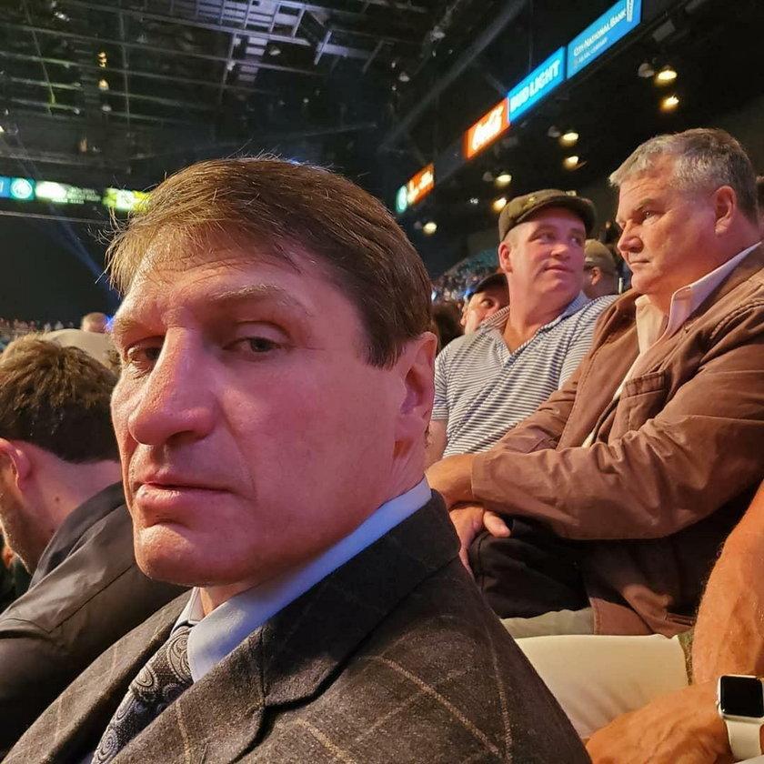 Andrzej Gołota, z tyłu Kevin McBride