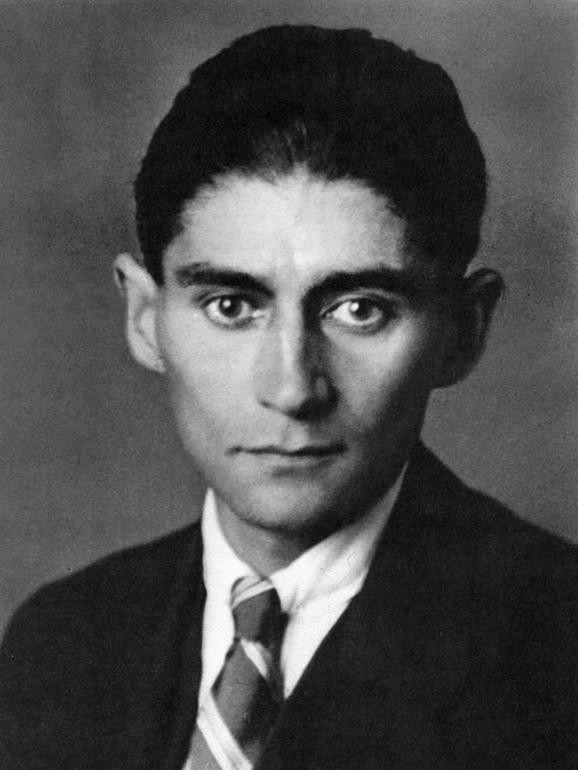 Franc Kafka (1883-1924) na fotografiji nastaloj oko 1917.