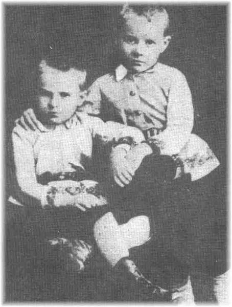 Józef (po lewej) i Bronisław (po prawej) Piłsudscy w okresie dziecięcym