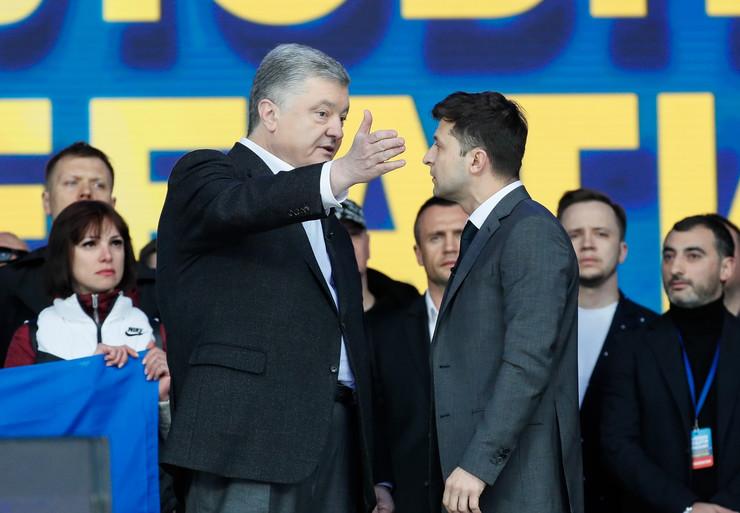 Petro Porošenko Ukrajina debata EPA -SERGEY DOLZHENKO