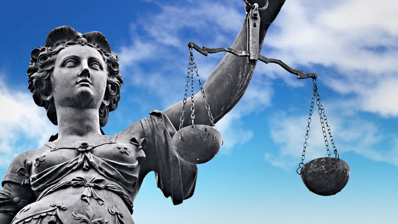 """Sąd umorzył """"dyscyplinarkę"""" sędziego, który porównał Kaczyńskiego do Hitlera"""