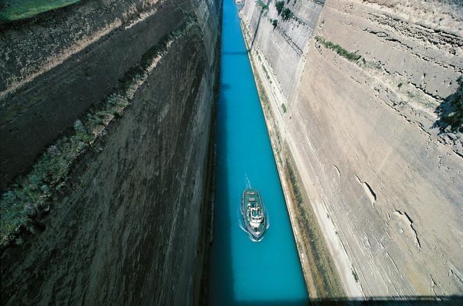 Korintski kanal je nezaobilazna stanica na Peloponezu