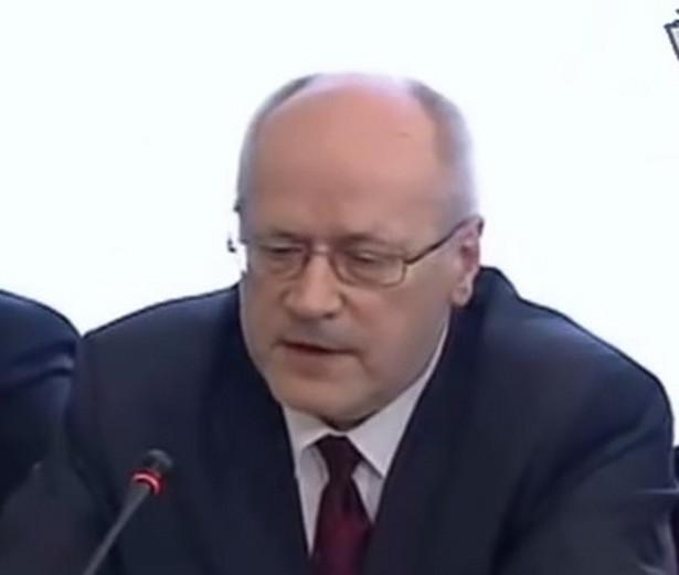 Propisowskie sympatie prof. Jędrzejewskiego dla nikogo nie są tajemnicą na jego macierzystym Wydziale Prawa i Administracji Uniwersytetu Warszawskiego