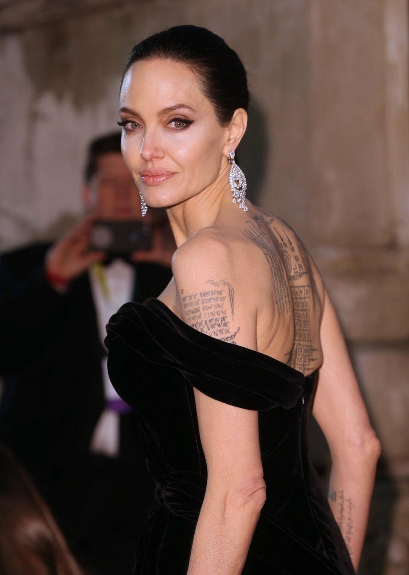 Anđelina sigurno nije stavila tačku na tetoviranje