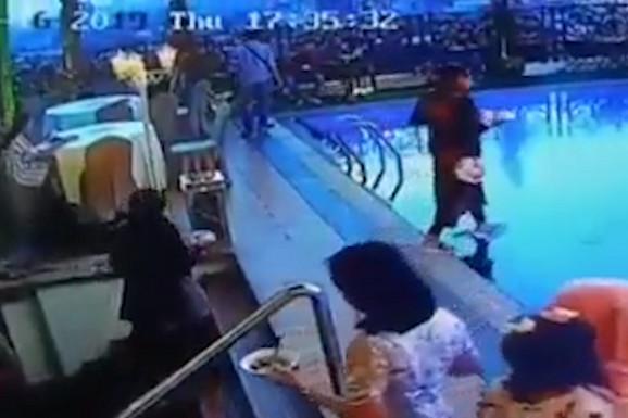 Mislila je da može da hoda po vodi, ali je GRDNO POGREŠILA (VIDEO)