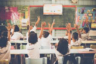 Rzecznik praw dziecka do MEN: Uczniowie tłoczą się w przepełnionych klasach