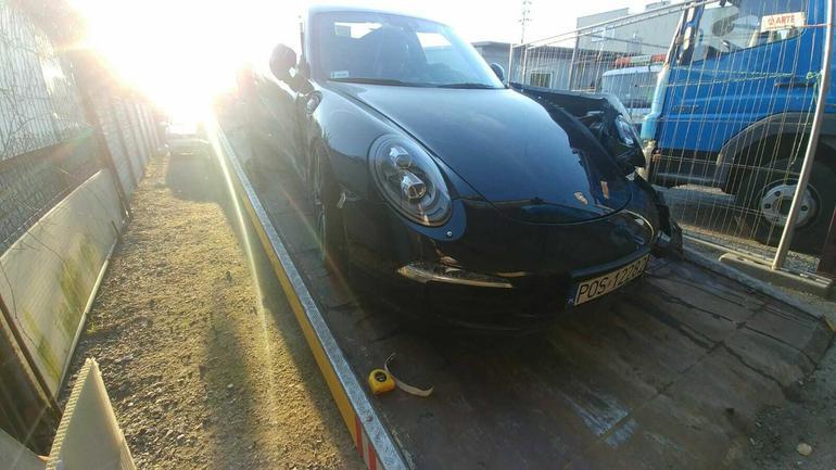 Skradzione z myjni Porsche