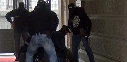 Huk granatów przed warszawską restauracją. Panika i przerażenie