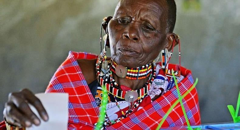 ___7118738___https:______static.pulse.com.gh___webservice___escenic___binary___7118738___2017___8___9___8___Kenya-Election_woman_CARL-DE-SOUZA-AFP-GETTY_1