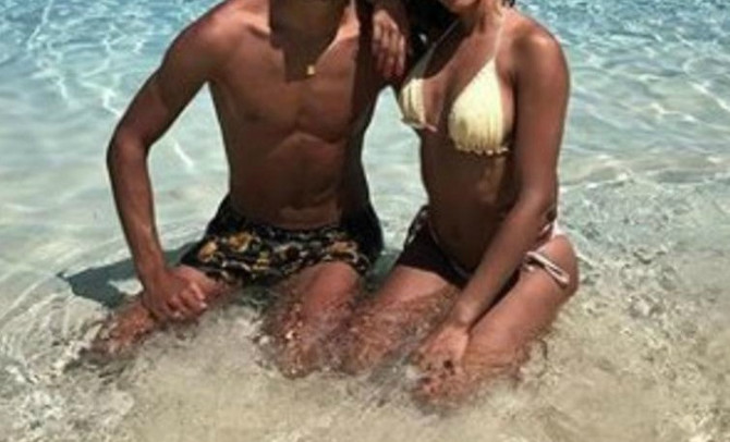 Slavni fudbaler objavio da je u vezi sa 12 godina starijom glumicom