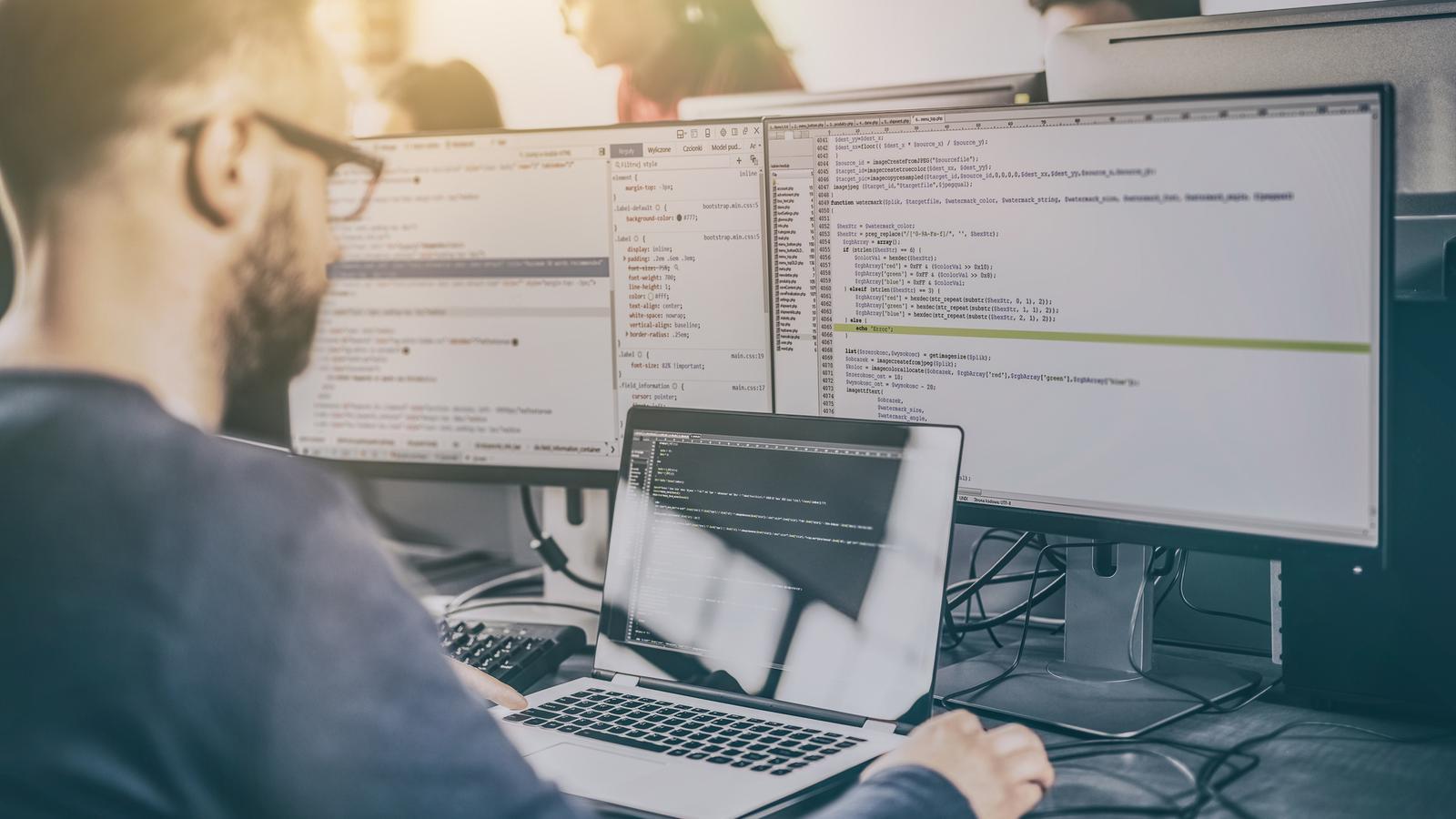Dlaczego programiści zarabiają tak dużo? Oto powody