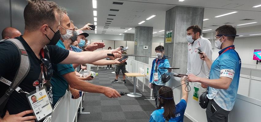 Kibice nie mogli przylecieć do Tokio na igrzyska. Jednak ten Polak ogląda je na żywo. Jak to zrobił?
