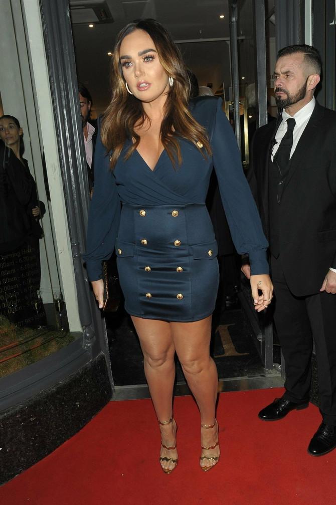 Trendi sako haljina ostala je u drugom planu - jer svi su gledali koliko joj samo loše stoji!