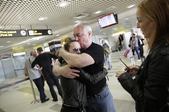 Tijanu je na aerodromu sačakao tata