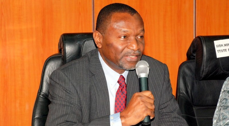 FG to negotiate with senior civil servants on new Minimum Wage, Udoma says
