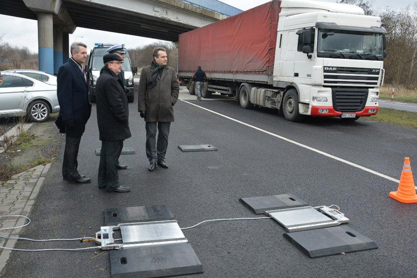 Wojewódzki Inspektorat Transportu Drogowego otrzymał od miasta dwa zestawy wag wraz z wyposażeniem