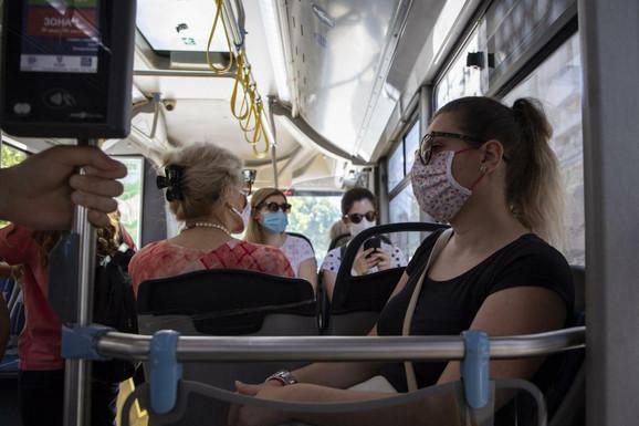 Beograđani se žale na kombinaciju visokih temperatura i maski