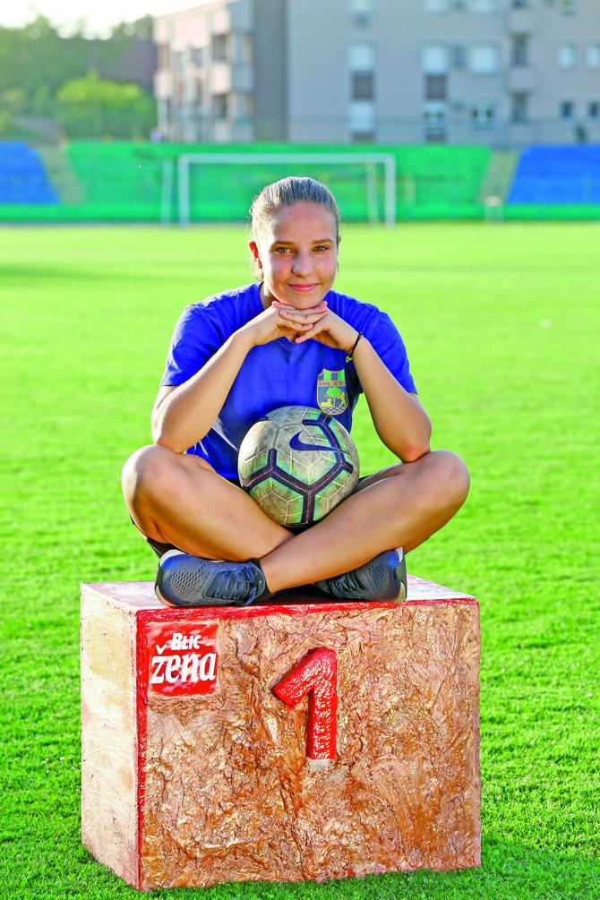 Upoznajte Milicu, najbolju mladu fudbalerku Srbije