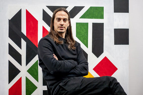 Lazar Sakan, vlasnik