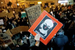 Warszawa: Strajk pod MEN. Demonstranci blokowali Trasę Łazienkowską