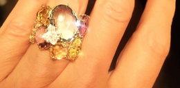 Gwiazda pochwaliła się pierścionkiem zaręczynowym. Ogromny!