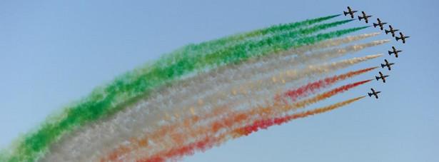 Zespół francuskich Sił Powietrznych Patrouille de France na samolotach Alpha Jet podczas Międzynarodowych Pokazów Lotniczych Air Show w Radomiu. W czasie dwudniowej imprezy będzie można zobaczyć 150 statków powietrznych z 27 krajów. Fot. PAP/Piotr Polak
