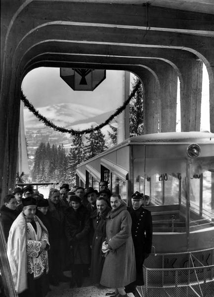 Uroczystość otwarcia kolejki. Obecna m.in. żona marszałka Józefa Piłsudskiego