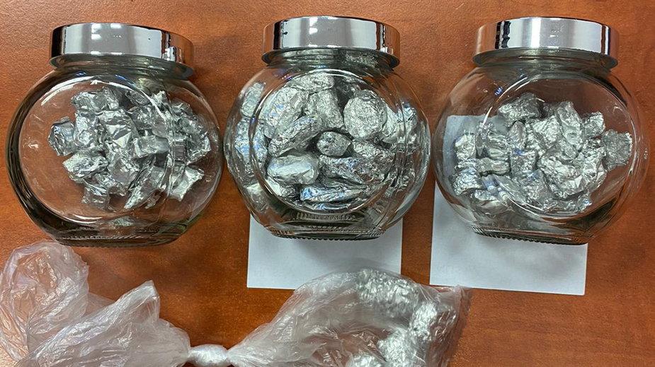Zabezpieczone przez policję narkotyki znalezione u 26-latka