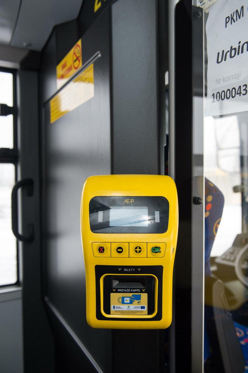 W autobusach zamocowano kasowniki ŚKUP
